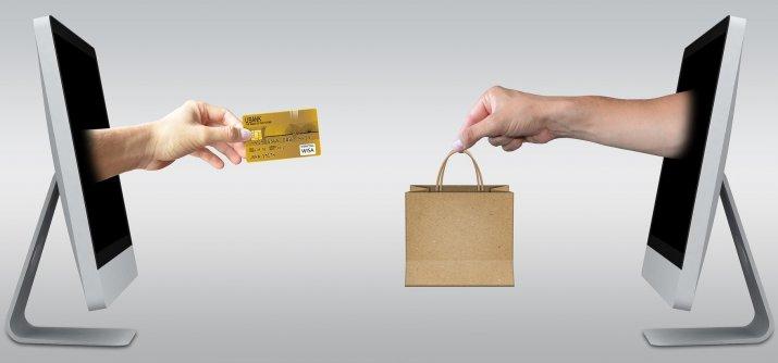 Опрос  жители Латвии делают покупки в иностранных интернет-магазинах из-за  более выгодной цены 84c17a81d01